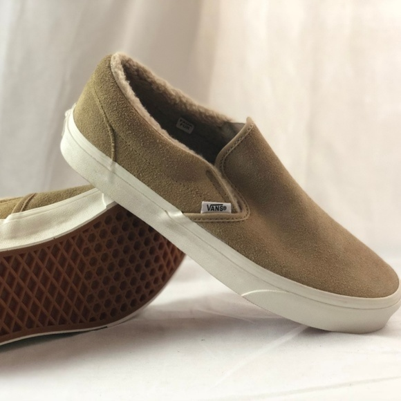 fa3d622291 Vans Classic Slip on Suede Fleece Khaki True White